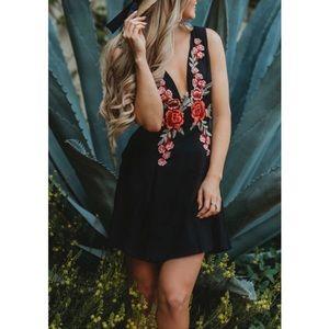 Lulus LBD deep V neck floral embroidered size M